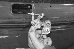 Замена троса багажника ланос