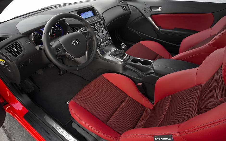 Hyundai Genesis Coupe Mark II салон (Хёндэ Генезис Купе с 2013)