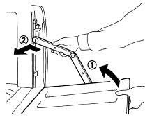 Отсоединение удерживающих стяжек заднего борта (модели без заднего бампера-подножки)